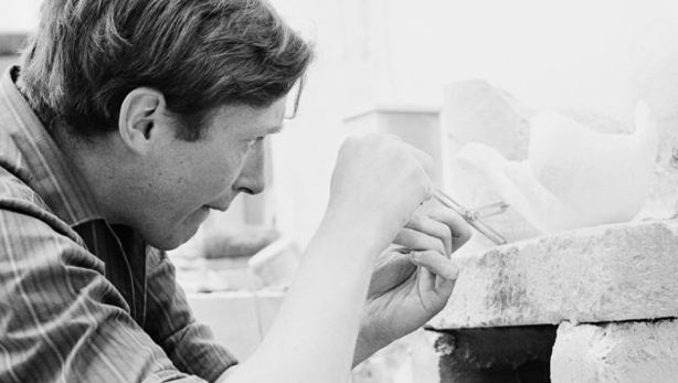 Sir David Wynne at work in the 1960s (image: BBC)