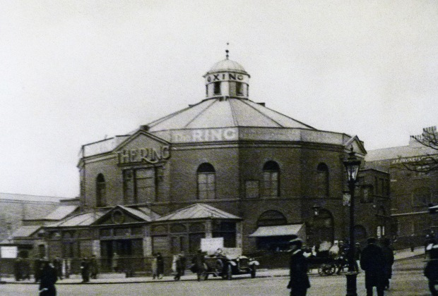 The Ring, Blackfriars. Image from 'Wonderful London', 1926