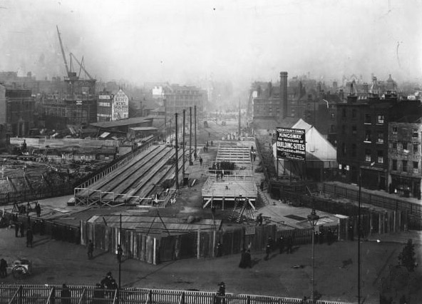 Construction of the Kingsway scheme, 1905 (image from 'Woman and her Sphere' site).