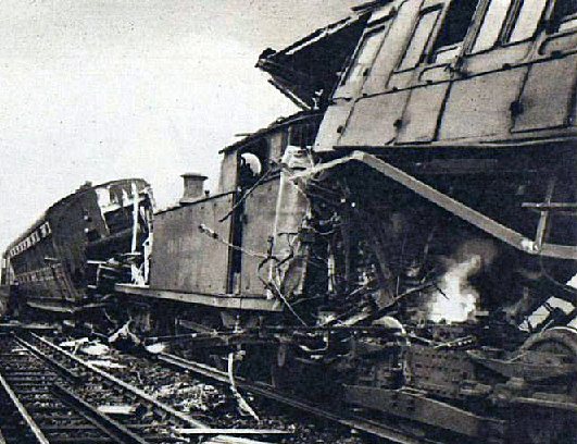The 1947 collision above Blue Anchor Lane (image: London Illustrated News).