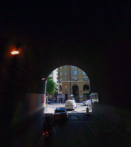 Driving through Stainer Street... (image: Wikipedia).