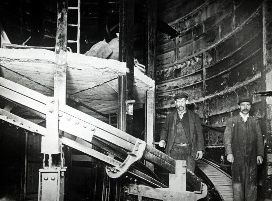 Escalator construction at Holloway Road tube station, 1906 (image: London Transport Museum).