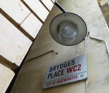 Brydges Lamp