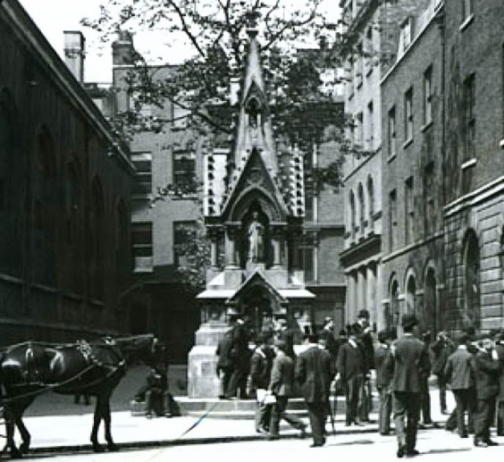 The fountain at its original location in the Guildhall courtyard.
