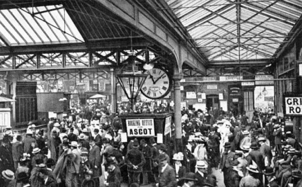 Waterloo Station in 1902.
