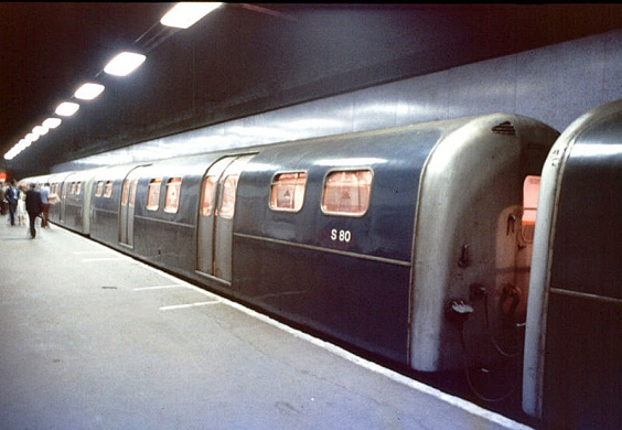 The Waterloo & City Line in 'British Rail Blue', used from the 1960s to the 1980s (image: Wikipedia).