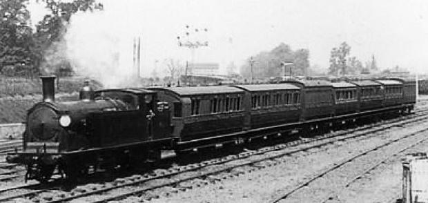 A Necropolis Railway service.