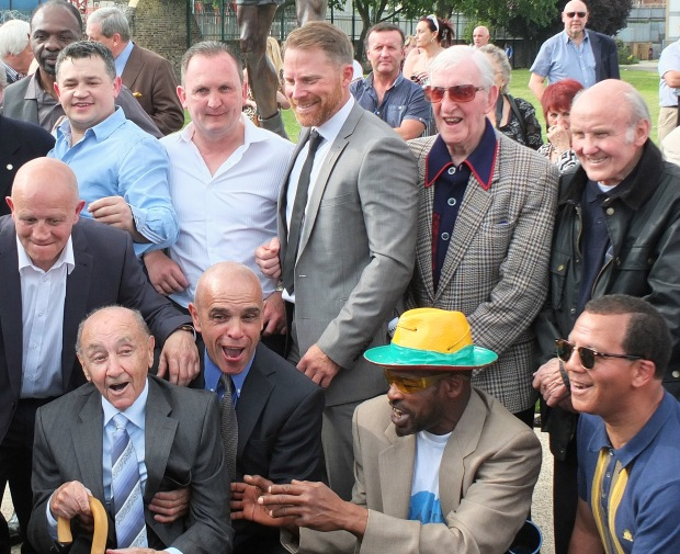 Former boxers gather in honour of Teddy Baldock.