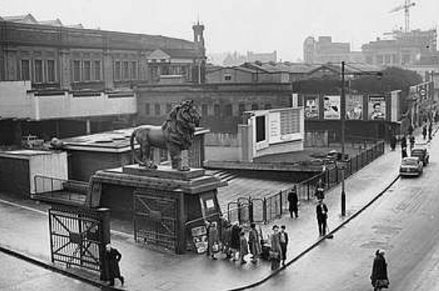 The Coade Stone Lion at its second home outside Waterloo station, pictured here in 1958 (image: copyright Lambeth Government)