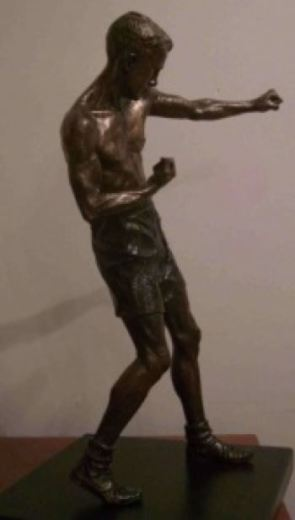 Minature of Teddy's Statue (image: London Ex-Boxer's Association).