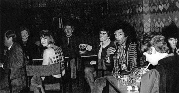 Jimi Hendrix hanging out at the Speakeasy, 1967