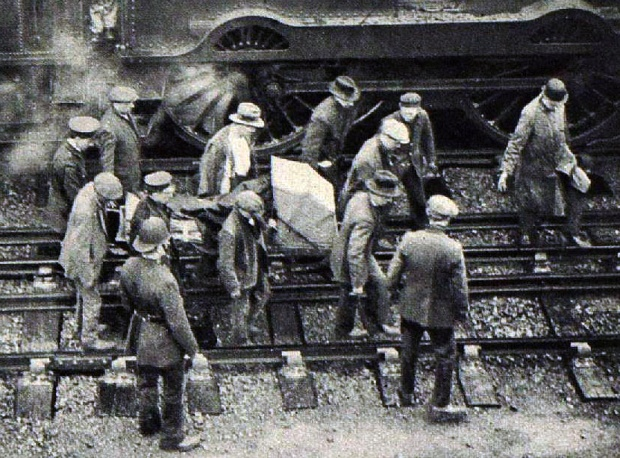 The train driver being carted to the London Temperance Hospital after enduring a five hour rescue