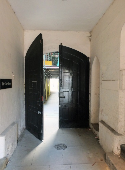 Northern entrance to Clifford's Inn Passage