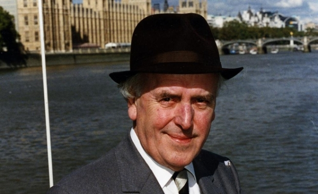 George Cole. 1925-2015 (Image Universal Pictorial Press)