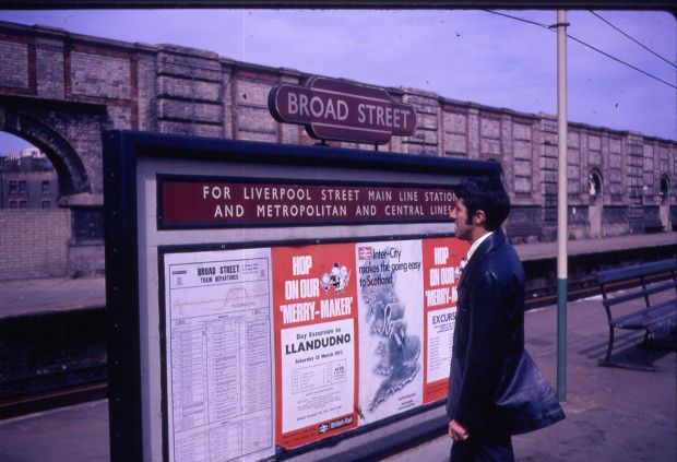 Pete at Broad Street, 1972. Copyright Brian Henson.