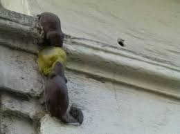 Two mice eating cheese... see London's smallest statue